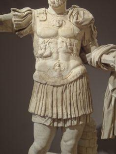 Statua loricata dalla collezione di Luigi Braschi Onesti (restaurato come Lucio Vero) (Sotheby's)