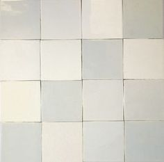 Friese ratjetoe witjes Dutch or Friesian white tiles--intential variations in tones of white; traditional from century through --> douche wand idee Wet Room Bathroom, Bathroom Toilets, Small Bathroom, My Kitchen Rules, Long Kitchen, Santa Monica Houses, Feature Tiles, House Tiles, Cottage Interiors