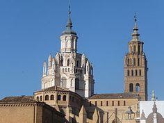 Catedral de Nuestra Señora de la Huerta de Tarazona. Es de las pocas catedrales góticas con bastantes elementos mudéjares. Siglo XII-XIII.
