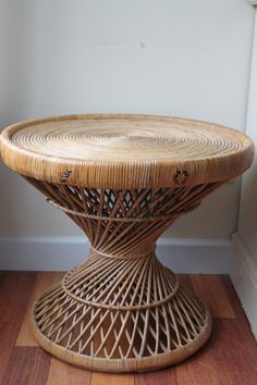 """Vintage Rattan Wicker Round Table, Coffee Table, Night Stand, Side Table, 22""""…"""
