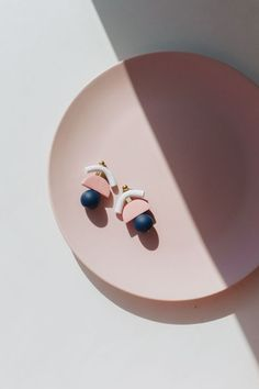 Gold Drop Single Spike Earrings/ Minimalist Elongated Triangle Gold Dangle Earrings/ Geometric Design Spike Fashion Earrings - Fine Jewelry Ideas - Jewelry District Home The Effective Pictures We Offer You - Minimal Jewelry, Modern Jewelry, Unique Jewelry, Jewelry Accessories, Handmade Jewelry, Jewelry Design, Indian Jewelry, Fine Jewelry, Ruby Jewelry