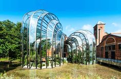 Thomas Heatherwick, glasshouse, glass house, Bombay Sapphire, gin distillery, English architects Victorian architecture