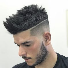 Finding The Best Short Haircuts For Men Fade Haircut Styles, Taper Fade Haircut, Hair And Beard Styles, Tape Up Haircut, Short Hair Cuts, Short Hair Styles, Cool Mens Haircuts, Pompadour, Hairstyles Haircuts