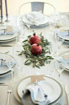 Above: Image from 'How to set an intimate Rosh Hashanah table' by Chai & Home. Rosh Hashanah is the Jewish New Year, a holy festival celebrating the cr Pomegranate Wedding, Vegan Coleslaw, High Holidays, Vegetarian Side Dishes, Yom Kippur, Yom Teruah, Wedding Arrangements, Noel Christmas, Deco Table