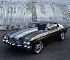 1970 Chevelle - how can you not love this?i love the classic muscle cars! Chevy Chevelle Ss, Chevrolet Ss, Vintage Cars, Antique Cars, Chevy Muscle Cars, Gm Car, Old School Cars, Oldschool, Sweet Cars