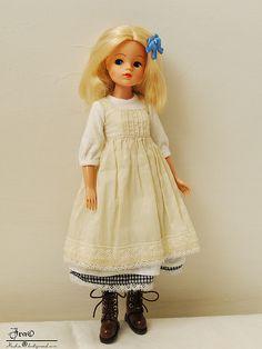 A vintage Sindy doll Vintage Girls, Vintage Barbie, Ooak Dolls, Blythe Dolls, Tammy Doll, Sindy Doll, Little Doll, Waldorf Dolls, Barbie Friends
