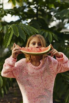 Look fille pull en maille rose Printemps-Eté 2017 collection IKKS Kid Girl #ss17 #kidstyle