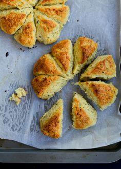 Garlic Bread Scones Recipe Adapted From Joy the Baker (The Moonblush Baker) Aboriginal Food, Native Foods, Good Food, Yummy Food, Tasty, Dessert Blog, Australian Food, Garlic Bread, Garlic Parmesan