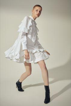 Sfilata Antonio Berardi Milano - Pre-collezioni Primavera Estate 2018 - Vogue