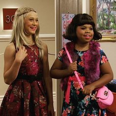 Thomas Kuc and Benjamin Flores, Jr. in a 2016 episode of television's Game Shakers. Girls Be Like, Cute Girls, Cool Girl, Thomas Kuc, Transgender Couple, Womanless Beauty Pageant, Feminized Boys, Girl Gang, Celebs