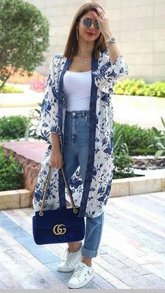 Spring kimono street style fashion - effortless and chic style to try long kimono outfit, Look Fashion, Street Fashion, Trendy Fashion, Womens Fashion, Fashion Trends, Trendy Style, Simple Style, Fashion Hacks, Fashion Quotes