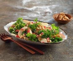 Grønnkålsalat med eple | FRUKT.no Chicken, Food, Essen, Meals, Yemek, Eten, Cubs