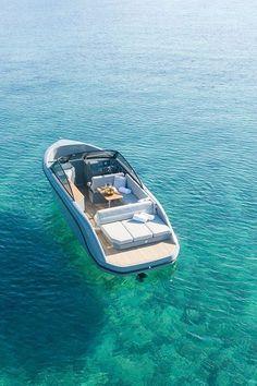 Ski Boats, Cool Boats, Small Boats, Small Fishing Boats, Yacht Design, Boat Design, Speed Boats, Power Boats, Yatch Boat
