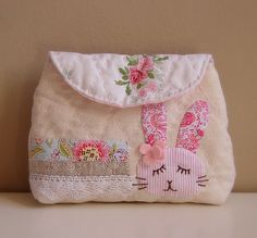 These Lovely Pouches are Fun to Make and to Give - Quilting Digest Snap Bag, Quilted Bag, Jewelry Case, Cute Bags, Cosmetic Bag, Bag Accessories, Diaper Bag, Purses And Bags, Sewing Patterns