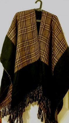 EVERYDAY SEW: ΓΡΗΓΟΡΗ ΚΑΙ ΕΥΚΟΛΗ ΧΕΙΜΕΡΙΝΗ ΚΑΠΑ Kimono Top, Crochet Bags, Sewing, Tutorials, Coats, Women, Fashion, Gingham Quilt, Crocheted Bags