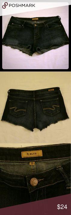 "STS BLUE denim short cutoff SIze 13 Excelente  Condition Measures: waist 17"" rise 8"" inseam 1 1/2"" STS BLUE Shorts Jean Shorts"