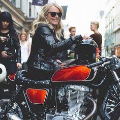 My fav bike a couple of years back at #belstaff #bondstreet where a group of girls made some life friendships @susielodge #biker #bikeporn #london #fashionweek #custombike #leather #suzuki #caferacer #Regram via @merrymichau