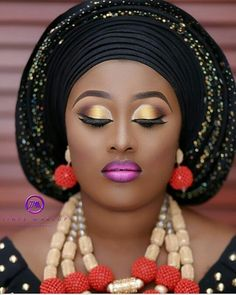 Flawless  #asoebi #asoebispecial #speciallovers #wedding #makeover #dope #headgear #bead #traditional #cultural #africans #africa  MUA @tintsmakeuppro  Asooke and bead by @ariesbeadnasooke