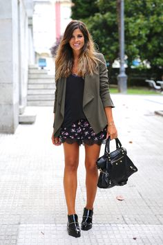 Trendy Taste Flowers and Lace I Love Fashion, Passion For Fashion, New Fashion, Autumn Fashion, Fashion Outfits, Fashion Black, Fashion Ideas, Vintage Fashion, Street Style