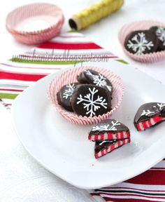 Haniela's: ~Candy Cane Peppermint Patties~