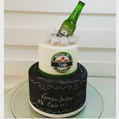 Tema: cerveja Bolo da Bom Bocado Birthday Fun, Birthday Cake, Extreme Cakes, 40th Cake, Valentine Cake, Specialty Foods, Cakes And More, How To Make Cake, Mousse