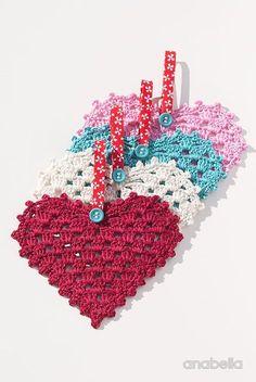 Crochet Hearts, free pattern by Anabelia Craft Design Crochet Squares, Crochet Granny, Crochet Motif, Crochet Flowers, Crochet Patterns, Granny Squares, Crochet Hearts, Crochet Doilies, Holiday Crochet