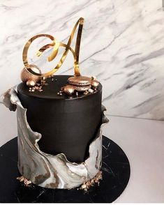 Best 24 Birthday Cakes For Men - Empire Vital Elegant Birthday Cakes, Beautiful Birthday Cakes, Elegant Cakes, Beautiful Cakes, Amazing Cakes, Men Birthday Cakes, 24 Birthday, Designer Birthday Cakes, Birthday Cake Design