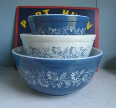Pyrex Colonial Mist mixing bowls.