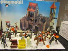 Vintage Playmobil #3450 Medieval Knights Kings Castle With Mini Figures & Horses #PLAYMOBIL