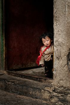 from the doorway | Picture taken in Tibet by Monika Andrae V… | Flickr