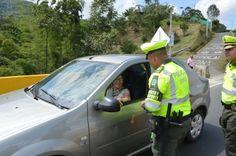 En las carreteras de Risaralda Policía brinda recomendaciones de seguridad a los viajeros