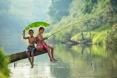 30 Surreal Pictures Of Children Playing Around The World | Zabavnik
