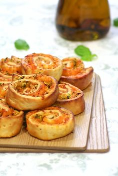 Pizza Rolls, Spicy Aromatic Oil and Fresh Express   Food and Cook