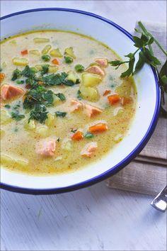 Rezept für eine schnelle Kartoffel-Gemüse-Suppe mit Lachs und Kokosmilch