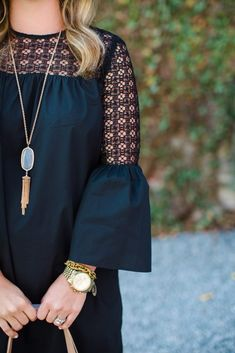 40 Statement Sleeves That Will Make You Look Cool Sleeves Chic Outfits, Fashion Outfits, Womens Fashion, Fashion Trends, Classic Outfits, Fashion Clothes, Lässigen Jeans, African Fashion Dresses, Look Fashion