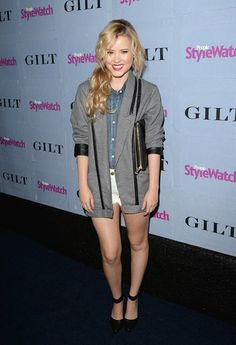 Actress Taylor Spreitler in the Catalina Short in Optic White