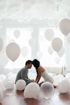 Balloon engagement shoot | Photo by Blush Wedding Photography | 100 Layer Cake
