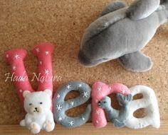 Nombre en fieltro para Vera, decorado con animalitos polares.  http://hadanatura.blogspot.com.es/2014/03/animalitos-polares-para-vera.html  #fieltro #Vera #nombre #osito