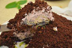 Muzlu Tombul Pasta-3 yumurta 6 çorba k. toz şeker 2 çorba k. kakao 1 pk. vanilya 1 pk. kabartma tozu yarım çay b. su 3 çorba k. un  İÇ HARCI İÇİN:  1 pk. çilekli krem şanti 1,5 su b. süt muz fındık