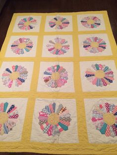 "Vintage Handmade Quilt, ""Dresden Plate"" Pattern, Multi-Colored Flowers with Yellow/White, Yellow Backing"