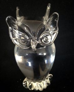 Visit www.yearsoflove.com to discover more 1st anniversary gift ideas like this Crystal Owl Paperweight #1st anniversary #owl #crystal