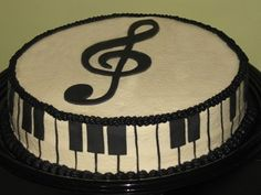 ~ Music Cake ~ looks like something that could *possiblly* be made at home, too!