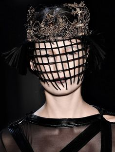 130186:  Lino Villaventura A/W 2012 Could be any Shakespearean femme fatal