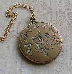 Antique Gold Filled Fleur de Lis Locket Necklace