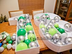 GIANT mosaic numbers / letters filled with balloons - Party decoration idea - DIY How to make tutorial - birthday Small Balloons, Number Balloons, Letter Balloons, Birthday Balloon Decorations, Diy Party Decorations, Birthday Balloons, Diy Birthday Number, How To Make Balloon, Balloon Stands