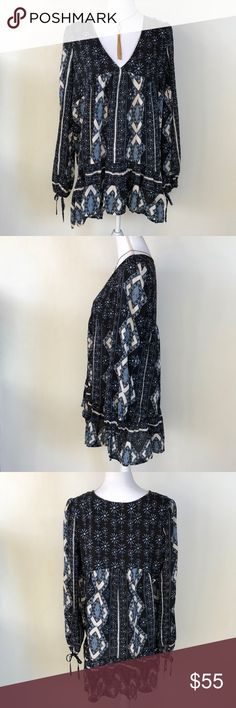 Free People Blue Peasant Tunic, M This lovely Free People Blue Peasant Tunic, M is perfect for those days you're feeling the Bohemian vibes! Wear as a top or a dress!  EXCELLENT CONDITION NO DEFECTS PLEASE ASK FOR MEASUREMENTS BEOFRE PURCHASING Free People Tops Tunics