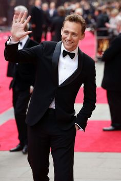 Tom Hiddleston arrives at The Laurence Olivier Awards 2013 at The Royal Opera House on April 28, 2013 in London, England [HQ]