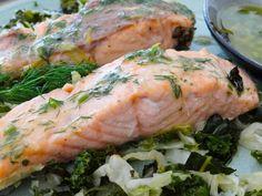 Salmon with cabbage and kale/Somon pe pat de varză albă și varză kale