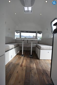 FLOORS 1974 Airstream Overlander 26' Virginia designed by HofArc.