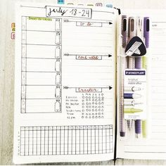 I love this spread from @bujobiginner ! Look at that organization! They are ready for the week! | bujo | bujo junkie | bujo junkies | bullet journal | bullet journal junkie | bullet journal junkies | planner | planner spread | planning | planner spread |